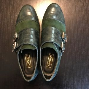 Sz 37 buckled brogues in hunter green by Topshop